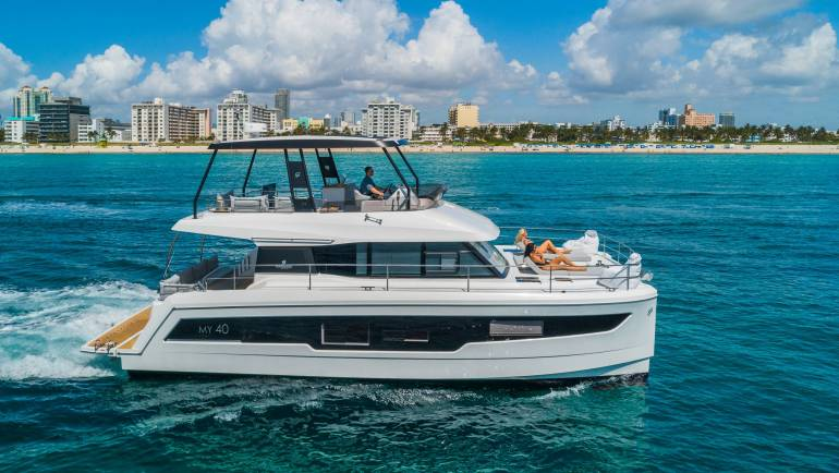 50′ Fountaine Pajot